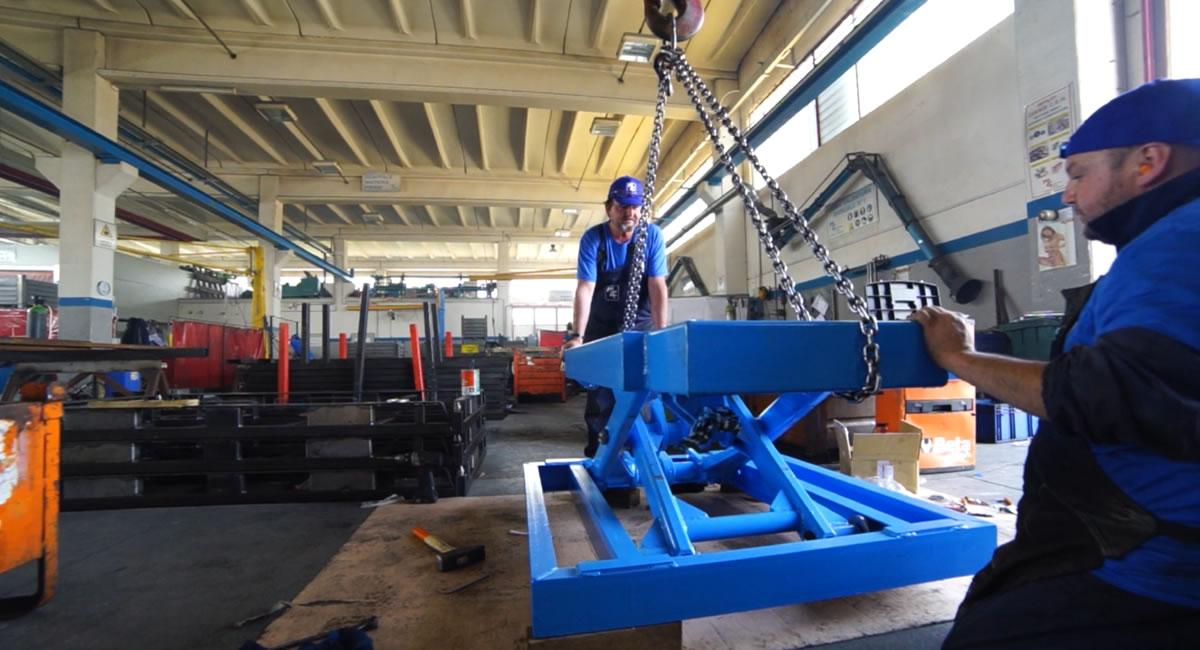 Realizzazione carrelli e montacarichi in ferro